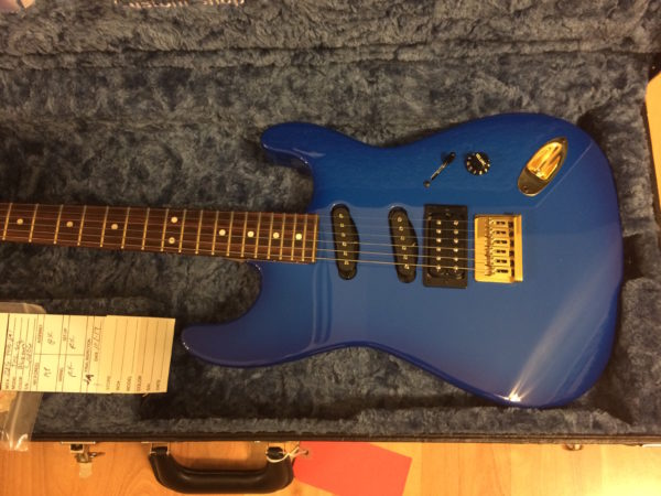 IMG 7009 1 600x450 - Charvel USA Custom Shop Jake E. Lee Signature Blue Burst Guitar