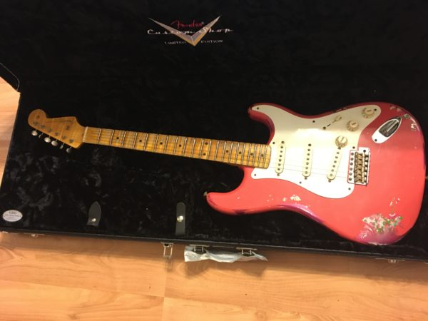 IMG 8144 600x450 - 2016 Fender Custom Shop Stratocaster Limited Edition '57 Heavy Relic Fiesta Red/Pink Paisely