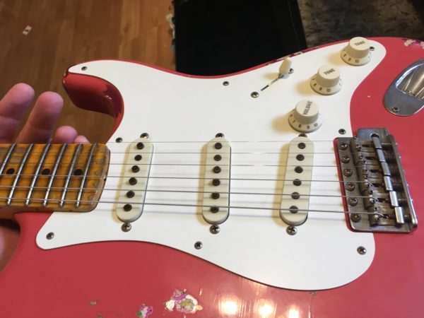 IMG 8153 600x450 - 2016 Fender Custom Shop Stratocaster Limited Edition '57 Heavy Relic Fiesta Red/Pink Paisely