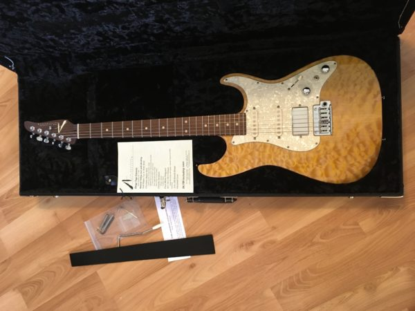 IMG 8615 600x450 - 2016 Tom Anderson Drop Top Classic Guitar in Natural Yellow Sun Quilt Top