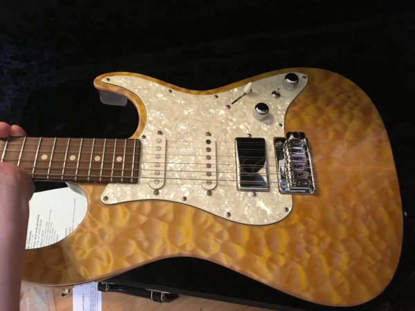 IMG 8617 600x450 - 2016 Tom Anderson Drop Top Classic Guitar in Natural Yellow Sun Quilt Top