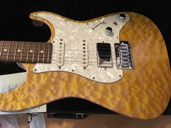 IMG 8623 600x450 - 2016 Tom Anderson Drop Top Classic Guitar in Natural Yellow Sun Quilt Top