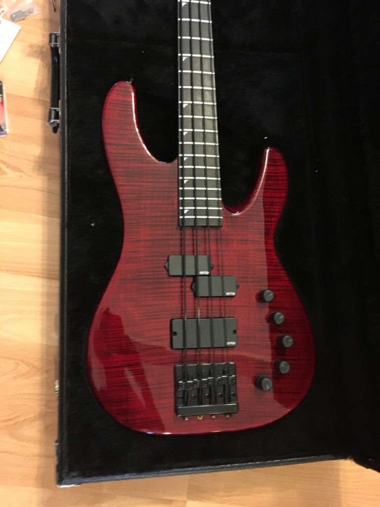 jackson usa custom shop edge bass guitar custom built by mike shannon for 2012 namm show. Black Bedroom Furniture Sets. Home Design Ideas