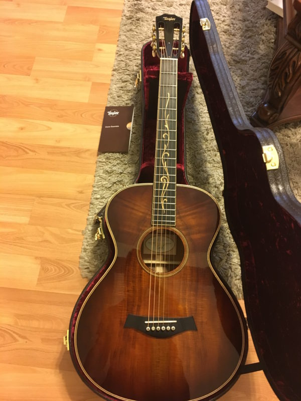 IMG 9600 600x800 - Taylor K22e 12-fret Shaded Edgeburst Acoustic Electric Guitar Koa-Mint!