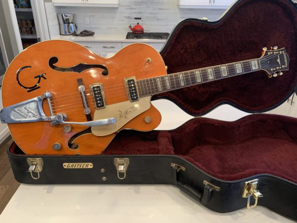 IMG 0630 600x450 - Gretsch G6120DSW Chet Atkins Hollowbody Guitar