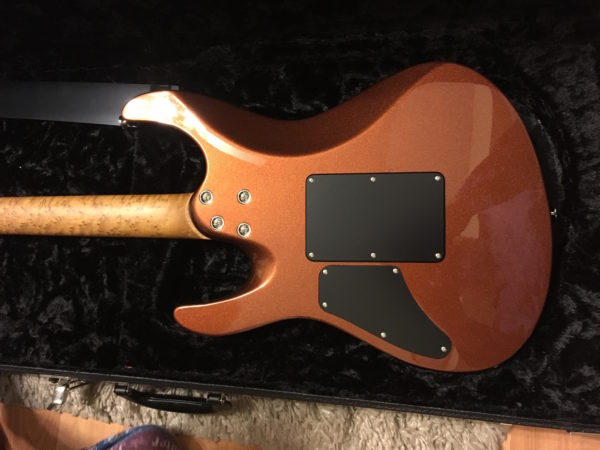 IMG 0914 600x450 - Suhr Modern Metallic Rootbeer 3A Roasted Birdseye Neck Guitar