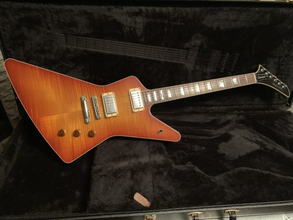 IMG 0719 600x450 - 2007 Hamer Standard Explorer Guitar Awesome Flame Top Sunburst