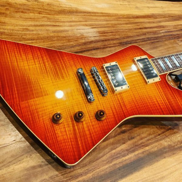 IMG 0738 1 600x600 - 2007 Hamer Standard Explorer Guitar Awesome Flame Top Sunburst