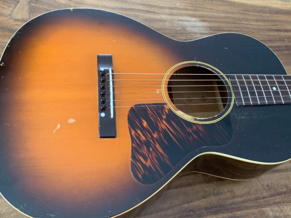 IMG 0804 600x449 - 1941 Gibson L00 Vintage Acoustic Guitar