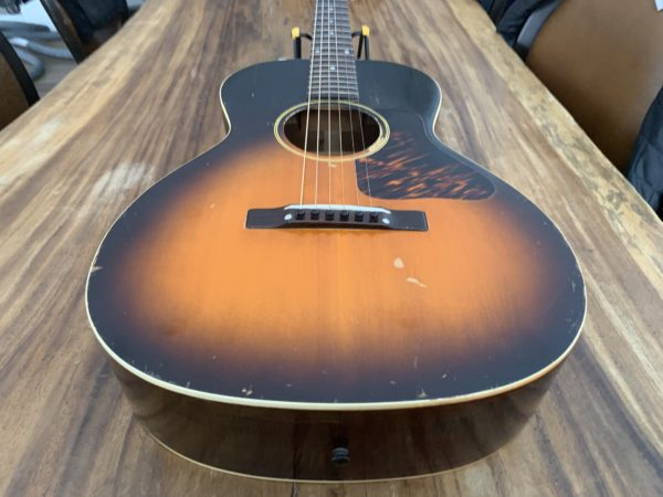 IMG 0805 600x450 - 1941 Gibson L00 Vintage Acoustic Guitar
