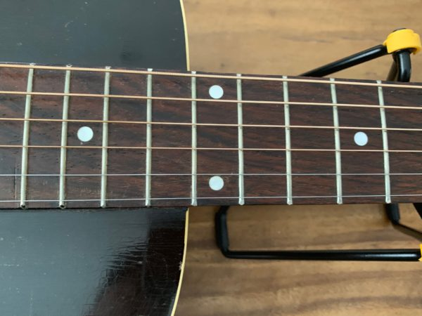 IMG 0807 600x450 - 1941 Gibson L00 Vintage Acoustic Guitar