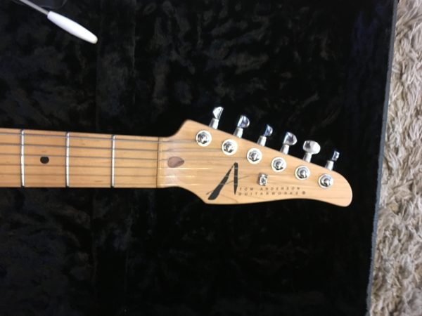 IMG 1003 e1554216201104 600x450 - Tom Anderson Hollow Drop Top Classic-Awesome Top-Fishman Bridge