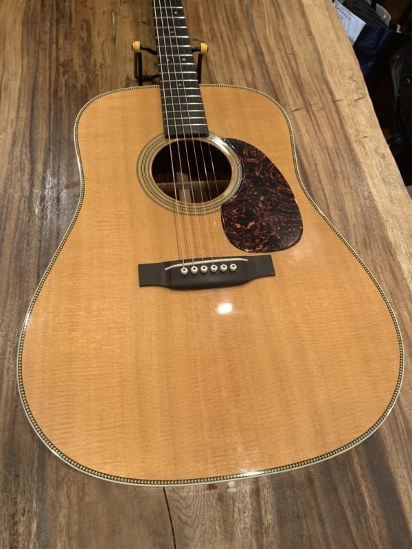 IMG 1499 e1554654444299 600x800 - 2011 Martin Vintage Series HD-28V Dreadnought Acoustic Guitar