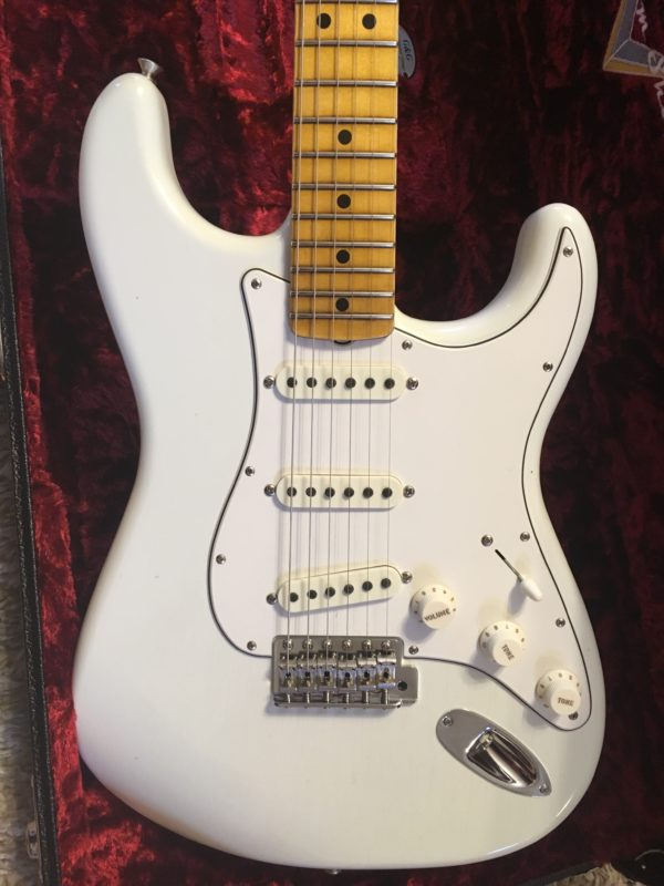 IMG 1271 e1556893075945 600x800 - Fender Custom Shop Jimi Hendrix Voodoo Child Stratocaster, Journeyman Relic Olympic White