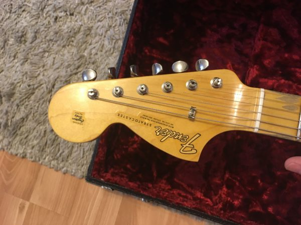 IMG 1272 600x450 - Fender Custom Shop Jimi Hendrix Voodoo Child Stratocaster, Journeyman Relic Olympic White
