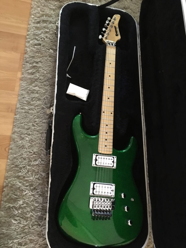 IMG 1335 600x800 - Kramer Limited Edition Pacer Vintage Emerald Green Sparkle Guitar