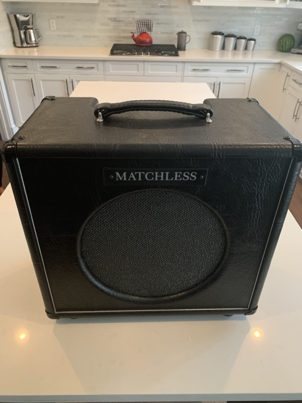 IMG 1949 e1558570272826 600x800 - Matchless Little Monster 1x12 - 9 watt combo