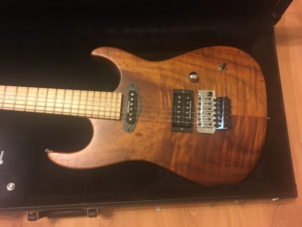 IMG 2535 600x450 - Performance Custom Guitars Warren DeMartini Model 1-Off Solid Koa Guitar-Signed