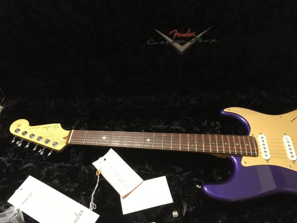 IMG 3501 600x450 - 2005 Fender Custom Shop Classic Player Strat in Purple Gold Anodized Pickguard