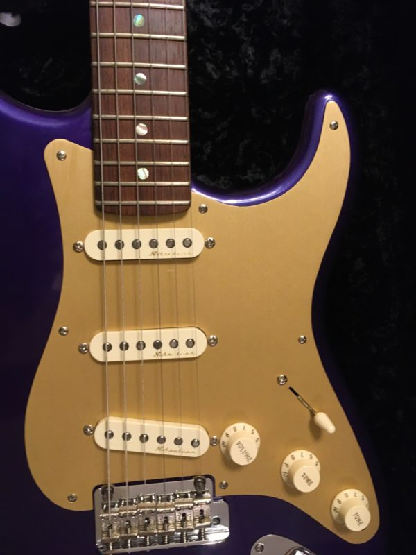 IMG 3505 600x800 - 2005 Fender Custom Shop Classic Player Strat in Purple Gold Anodized Pickguard