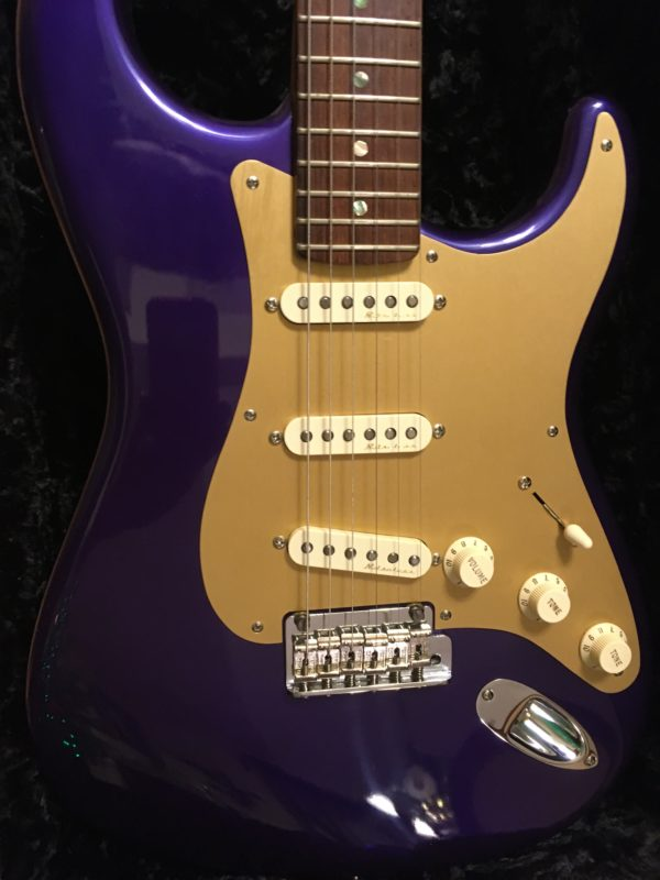 IMG 3506 600x800 - 2005 Fender Custom Shop Classic Player Strat in Purple Gold Anodized Pickguard