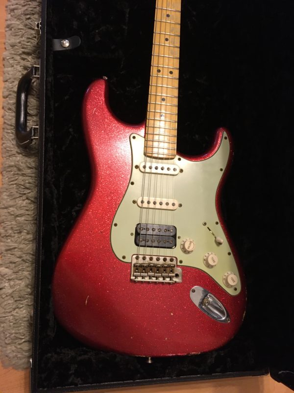 IMG 3880 600x800 - 2008 Fender Custom Shop Classic Heavy Relic HBS-1 Red Sparkle Strat