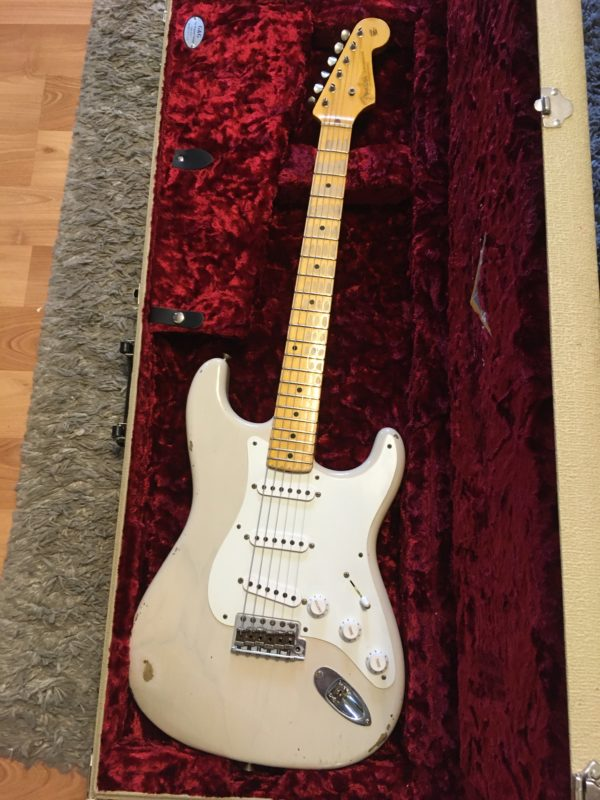 IMG 5765 600x800 - Fender Custom Shop Limited 55 Stratocaster Heavy Relic Dirty Blonde