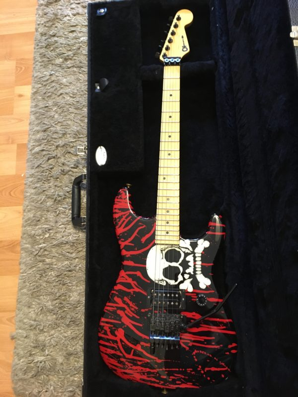 IMG 5767 600x800 - Charvel USA Warren DeMartini Signature Bloody Skull Guitar