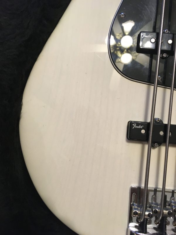 IMG 8029 600x800 - Fender American Deluxe Jazz 5-String Bass See-Thru White/Maple Board