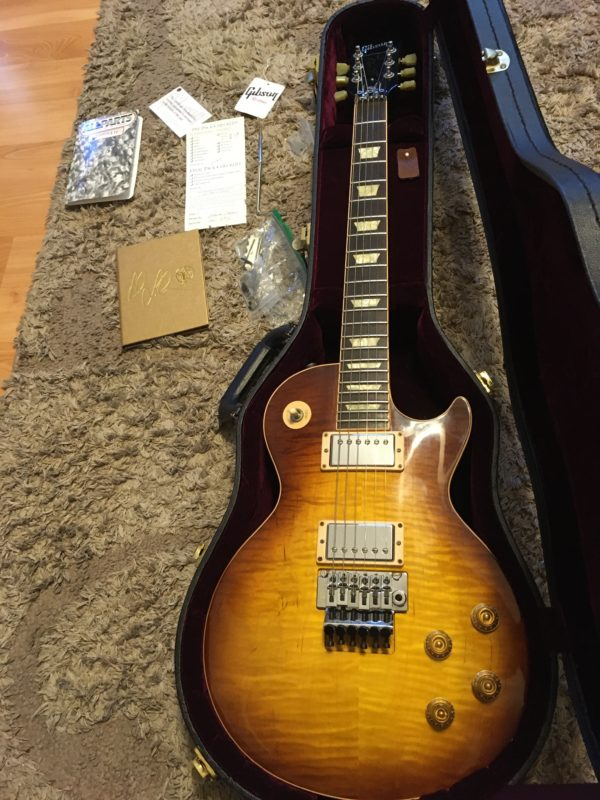 IMG 8071 600x800 - Gibson Custom Shop Alex Lifeson Signature Axcess Les Paul Viceroy Brown