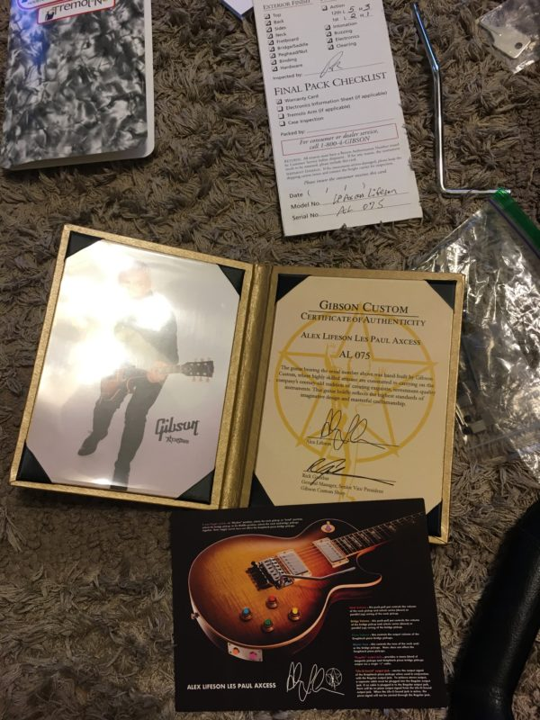 IMG 8073 600x800 - Gibson Custom Shop Alex Lifeson Signature Axcess Les Paul Viceroy Brown