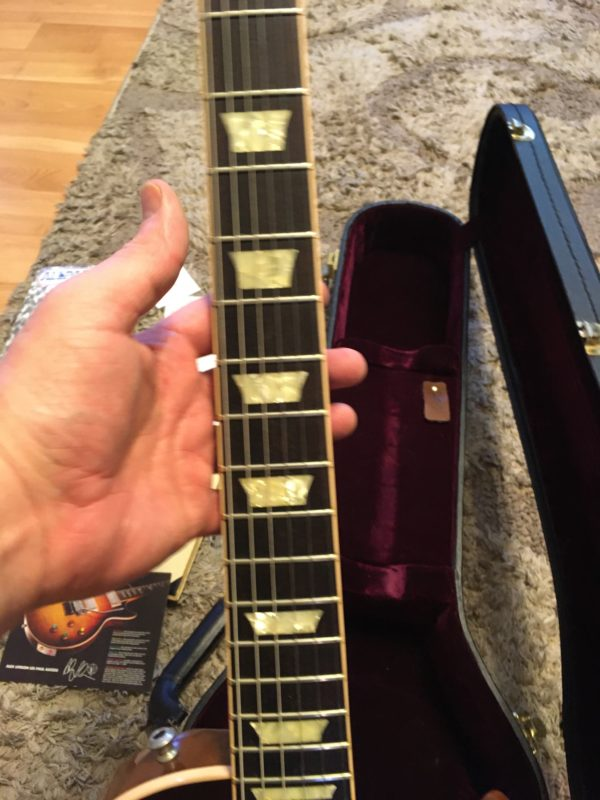 IMG 8076 600x800 - Gibson Custom Shop Alex Lifeson Signature Axcess Les Paul Viceroy Brown