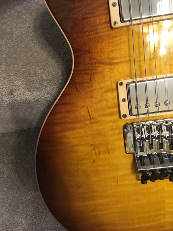 IMG 8085 600x800 - Gibson Custom Shop Alex Lifeson Signature Axcess Les Paul Viceroy Brown