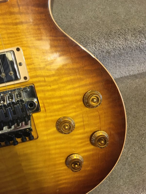 IMG 8086 600x800 - Gibson Custom Shop Alex Lifeson Signature Axcess Les Paul Viceroy Brown