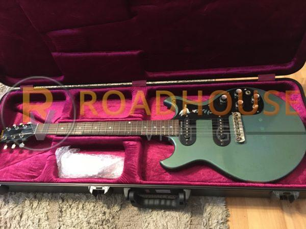 IMG 8402 600x450 - 1966 Gibson Melody Maker Pelham Blue Owned by Gunnar Nelson